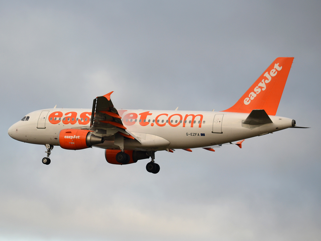 A319-111 EasyJet Airline G-EZFA Prague_Ruzyne (PRG/LKPR) December_23_2011